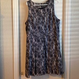 Forever 21 3x lace-design dress